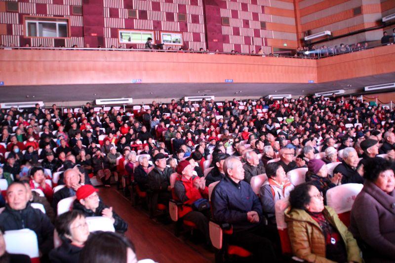 保定大剧院:唱响主旋律,红歌纪念毛泽东