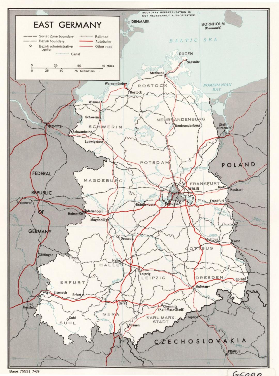 东德gdp_默克尔 柏林墙倒塌30年后,东德官员受到的羞辱,我仍记得