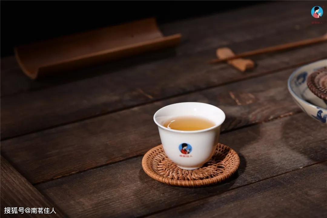 教会你如何冲泡才能品出300年古树晒红的茶滋味!