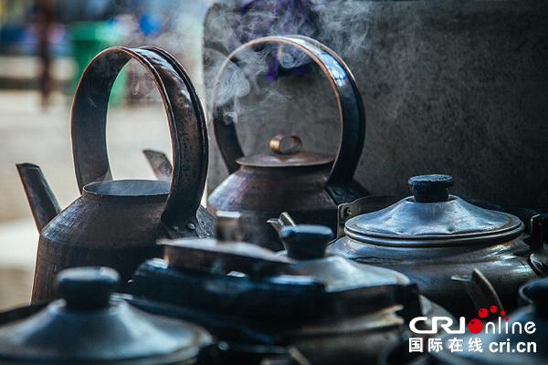 西藏煮茶:浓浓的烟火气