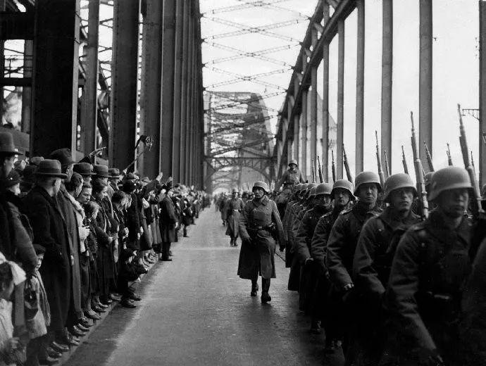 勃兰特在波兰_二战后联邦德国经济图片展示_二战后联邦德国经济相关图片下载