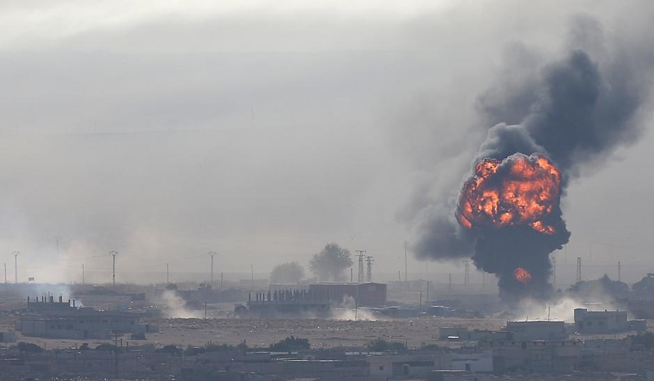 进攻被粉碎,俄叙联军一鼓作气,连夜发射导弹,叛军司令部被炸