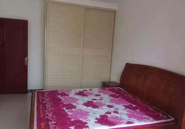 奋斗5年买的新房,装修只花9万多,装完却被亲戚嘲笑像出租房!