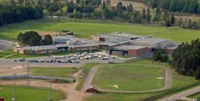 美国一副警长被控学校办公室性侵15岁女生,或判45年监禁