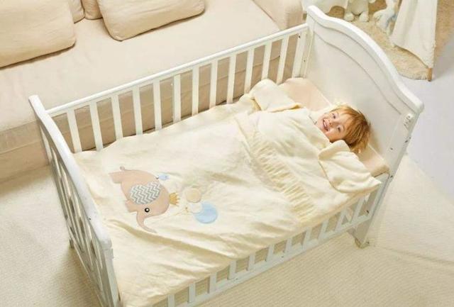 孩子不好好睡覺,可能是吃了不該吃的東西