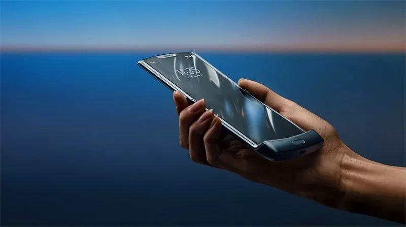 摩托罗拉放出「王炸」,要逆袭iPhone?