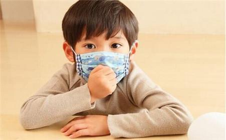 4歲女童脾虛積食,醫生:別在這3個時間給娃喝水,會害了寶寶
