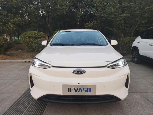 纯电动家用车如火如荼。江淮新能源iEVA50非同寻常