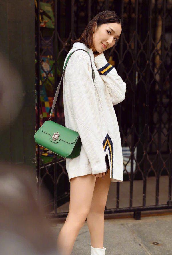 难怪王祖蓝喜欢她,把超短裤当安全裤穿,仅露1/10过于诱人!
