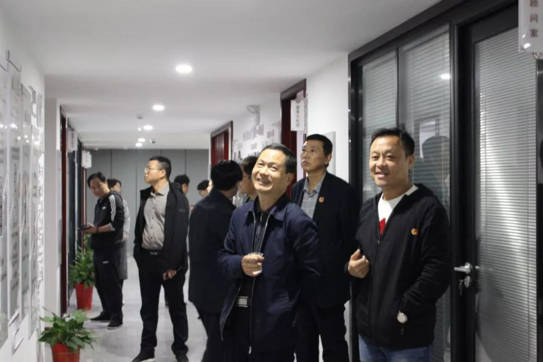 健坤董事长_健坤外国语学校刘小雪