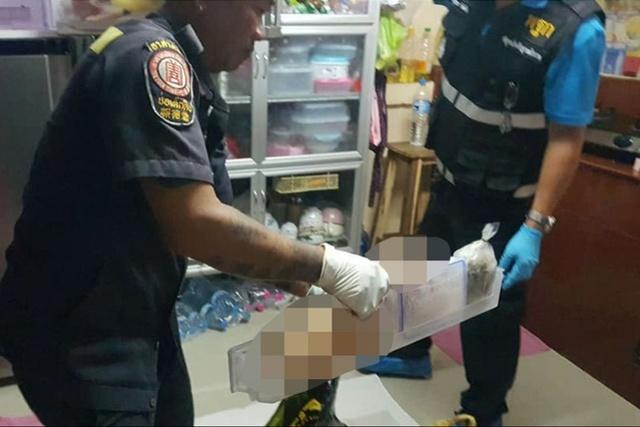 泰国20岁大学生疑杀害亲妈,肢解尸体藏入冰箱后开枪自杀