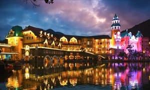 重庆:一座网红城市的夜间模式报告