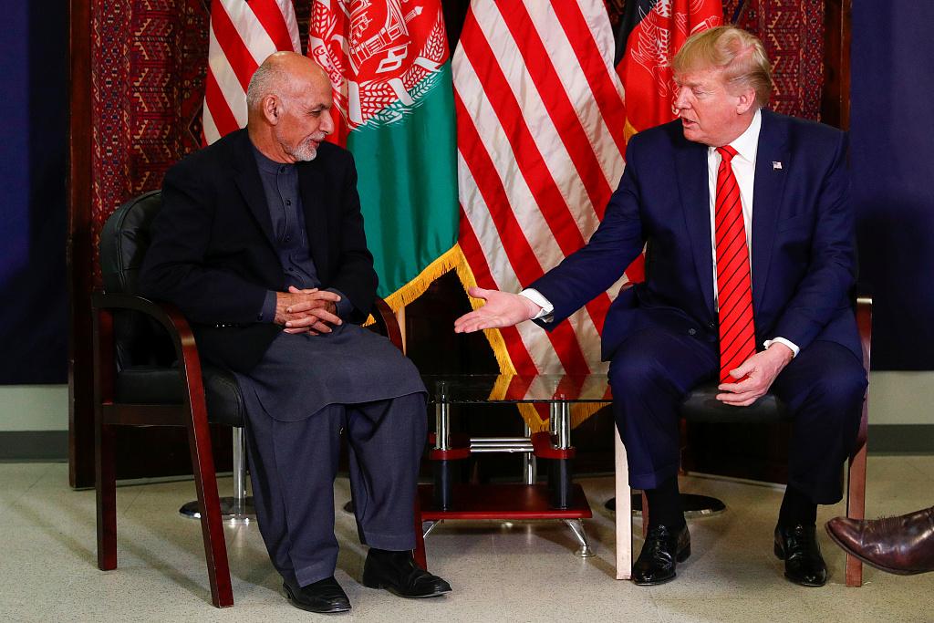 特朗普感恩节突访阿富汗:与塔利班恢复谈判