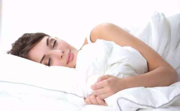 [睡眠和肥胖有什么关系?怎样的睡眠可以减肥?]