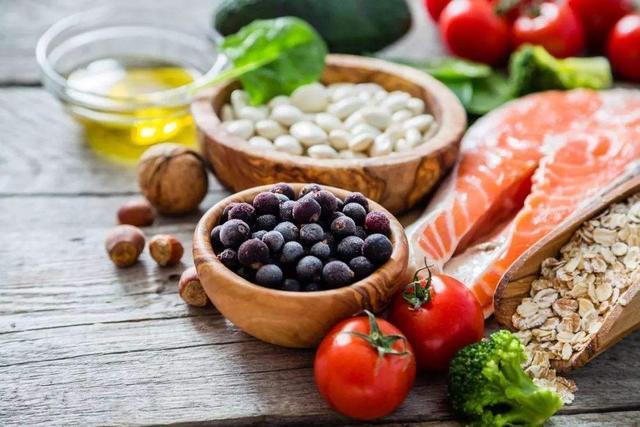 【减肥界最流行的地中海饮食,营养师建议这么吃……】