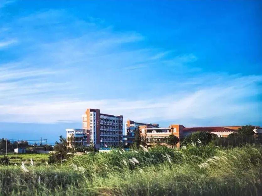 2017年 泉州海洋学院图景   2019年 泉州海洋学院图景   如果回到2017年,我还是要去华光职业学院的迎新晚会现场捧场!