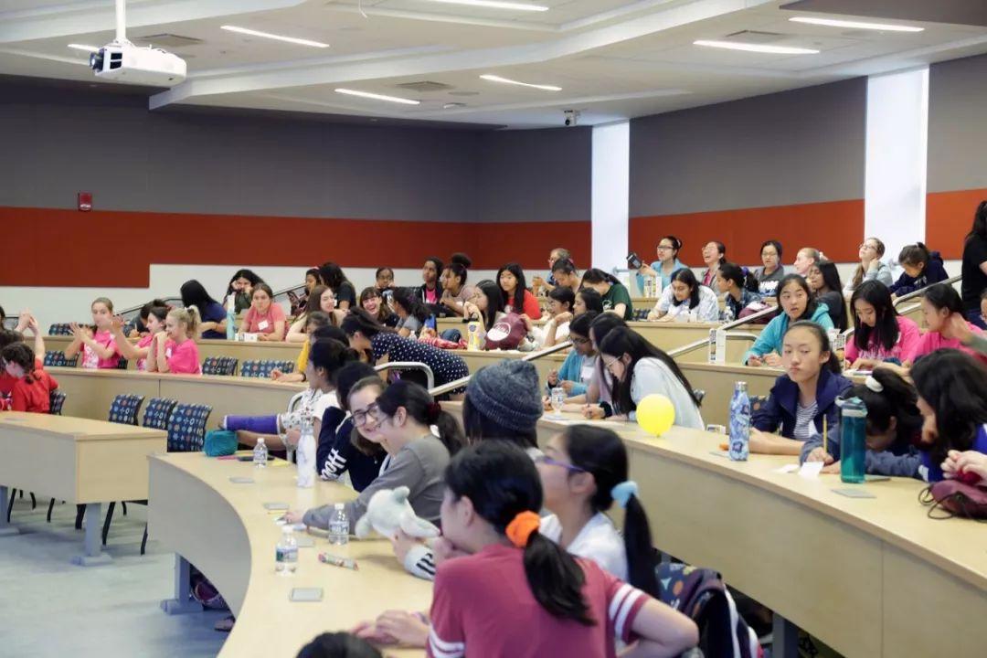 我们创办女生数学竞赛,为了让更多女性坚持STEM这条路