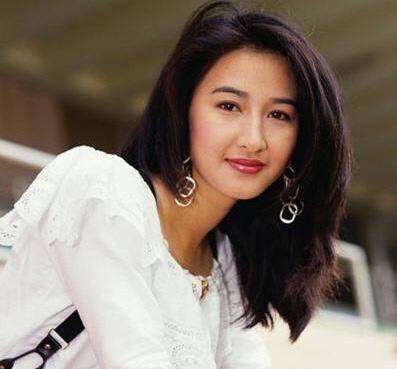 前TVB花旦經歷兩次流產以42歲高齡誕下女兒 選擇為愛淡出娛樂圈