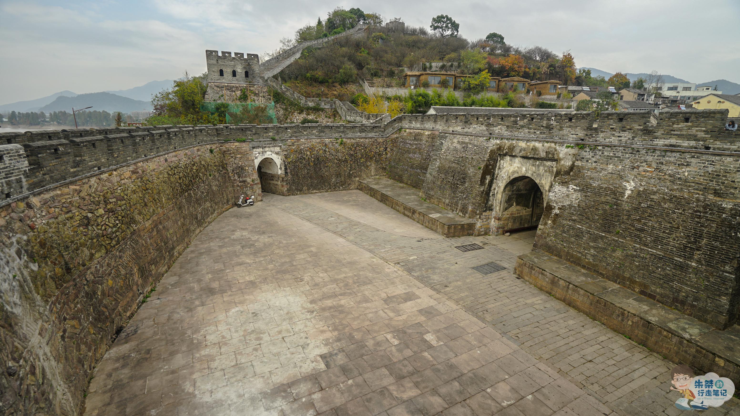 """浙江现存最古老的古长城,有1600多年历史,被誉为""""江南八达岭"""""""