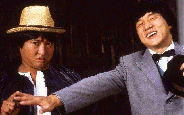 22年前成龍一部動作片:洪金寶夫婦客串,女主角曾經錯過小燕子