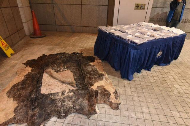 香港警方查獲4300萬元毒品,藏于牛皮! 6男子涉販毒被拘捕