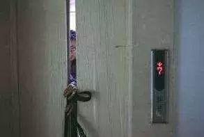6层楼房住5层好吗【【关注】住楼房的人注意!这些动作很危险!很多人还