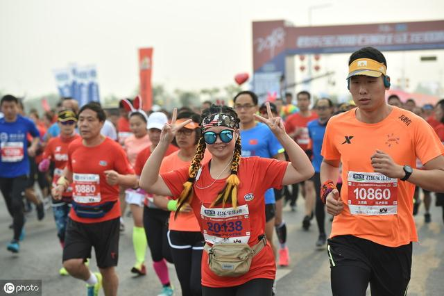跑马拉松当天什么早餐最合适?标答竟是方便面_