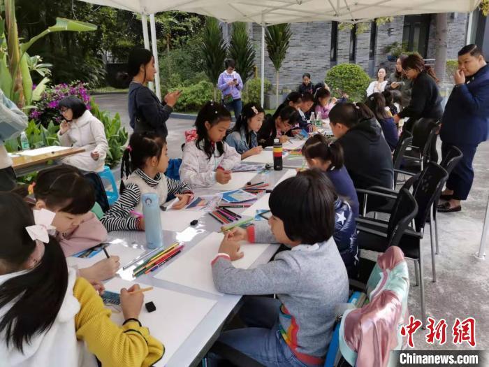 逾70名青少年在穗參加泰粵繪畫交流營活動_廣州