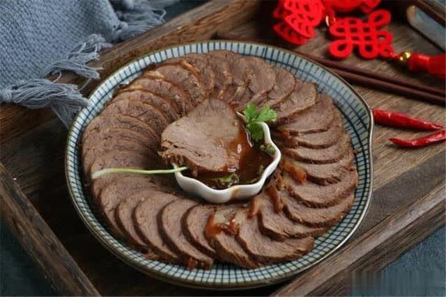 2分钟学会卤牛肉的小技巧,肉质鲜嫩有嚼劲