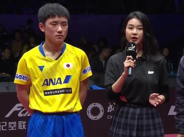 国乒告急!马龙2-4出局,张本智和进决赛疯狂庆祝,刘国梁在沉思