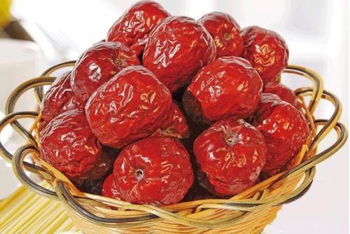 【吃红枣喝红糖水其实并不补血,医生建议:真正补血的东西是这几种】
