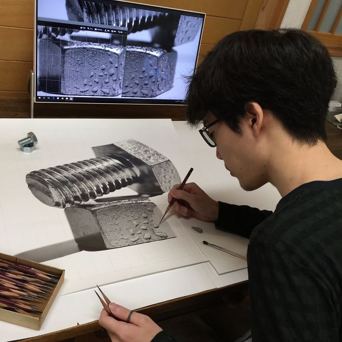 25岁日本艺术家铅笔素描太逼真,如同照片!一幅画作需几百小时
