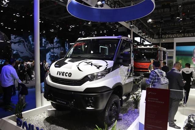 """依维柯""""万能""""SUV进入中国!三把锁,性能不输奔驰Unimog"""