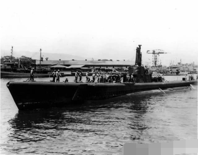 二战期间,美军王牌潜艇怎么会被自己发射的鱼雷击沉?