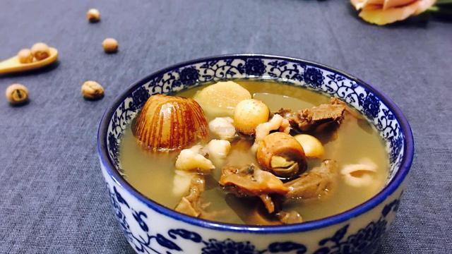 失眠最怕这个汤,做法简单汤鲜味浓,隔三差五喝,安睡到天亮|