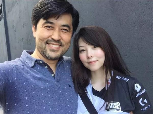 Mayumi回应感情状态:很享受单身的生活_网友