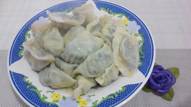 老妈包的素馅饺子,比肉的还好吃,一口气吃3个,做法分享给大家