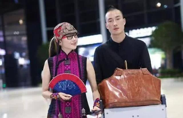 她与贾乃亮同居6年却输给了李小璐,32岁因为穿搭成为人生赢家