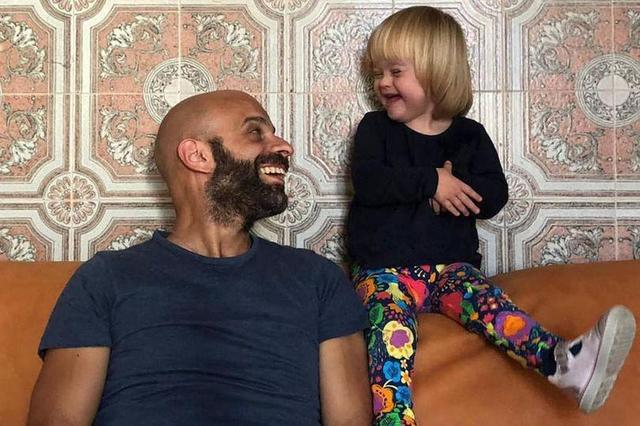 出生被弃,20个家庭拒养,唐氏女婴被意大利父亲收养从此人生不同_中欧新闻_欧洲中文网