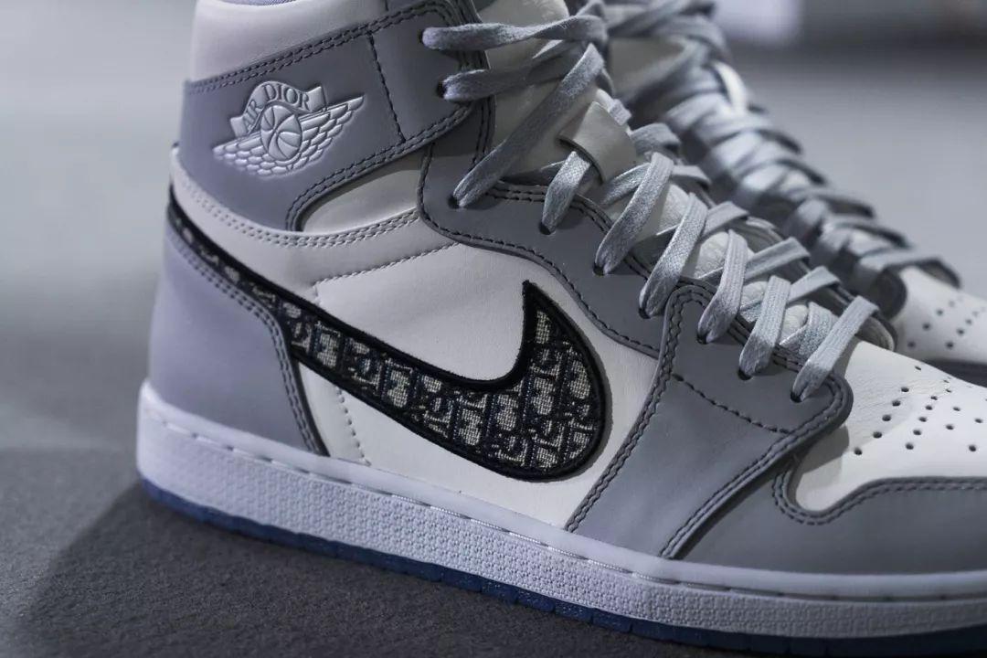 近赏 Dior x Jordan Brand 限量版球鞋,YEEZY BOOST 700 最新配色 ...