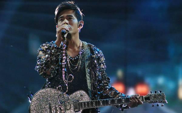 周杰倫香港6場演唱會延期,正受理退票!陳奕迅等因安全取消個唱