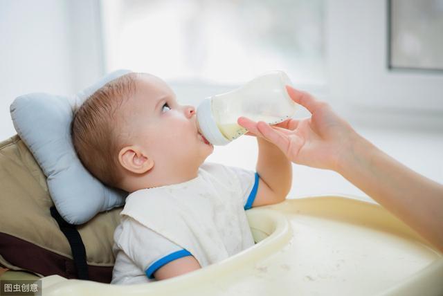 这位妈妈只母乳喂养了3个月就停了?是吃了什么不该吃的东西吗?
