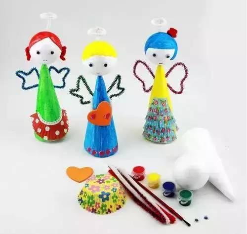 可以点亮的圣诞树   装愿望的袋子~   羽毛状的叶子~   圆圆的圣诞树!