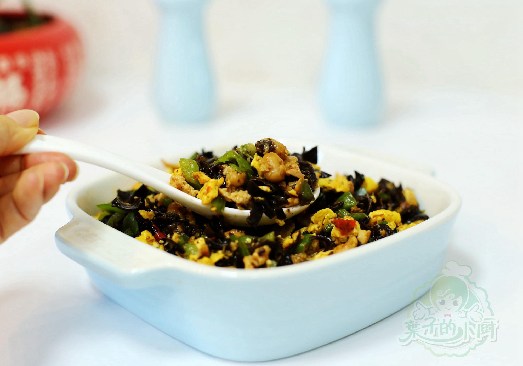 分享一道朴素家常菜,一年四季都实用,好吃又营养高,做法还简单