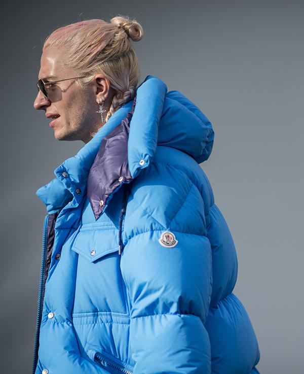 古驰母公司洽购高端羽绒服品牌Moncler,市值百亿欧元_彭博社