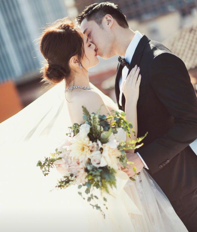 钟欣潼老公自曝因结婚几乎破产 土味情话惹阿娇喜笑颜开