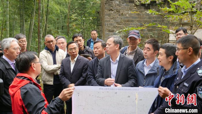 """[中國新聞網]""""大熊貓重引入""""試驗研究專家論證會召開 將在江西擇期放歸大熊貓"""