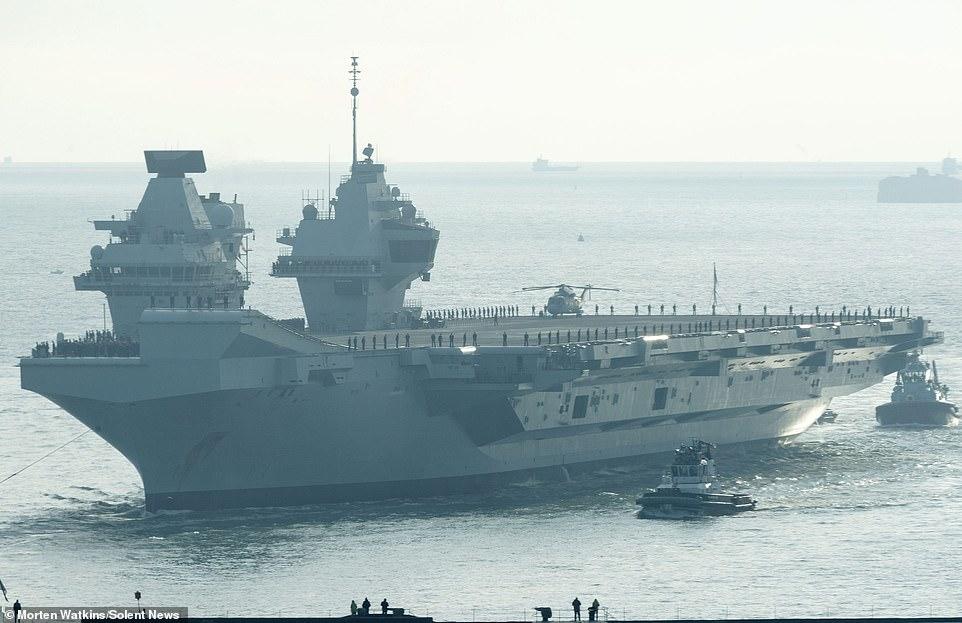 雙航母時代將來臨!英海軍兩航母首次在母港匯合_伊麗莎白