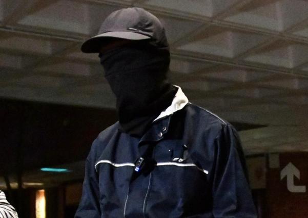 香港暴徒社交平台卖公仔引内讧:我在前面冲,你躲后面赚钱?