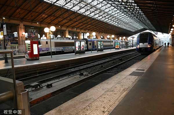 法国时隔24年再掀大罢工,90%高铁将停运_马克龙